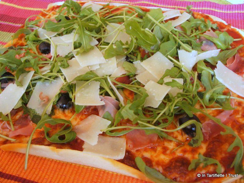 pizza roquette parmesan jambon cru