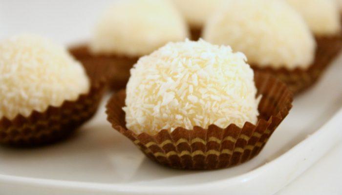 Bouchées fondantes noix de coco & noisettes – Raffaello « maison »