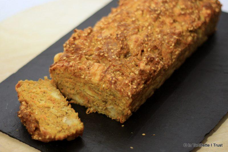 Cake aux carottes, curry, chèvre & comté