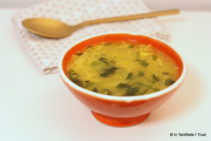 Soupe marocaine de vermicelles aux oignons et safran