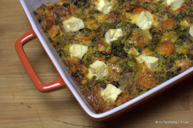 Gratin de poivrons, carottes, olives noires, polenta et feta