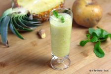 Jus d'ananas, pommes, menthe & gingembre