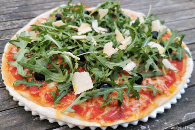 pizza roquette mozzarella parmesan